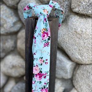Other - Floral vintage slim tie.